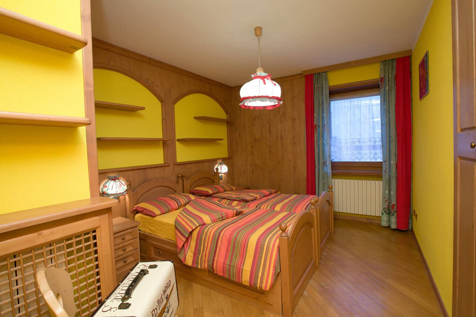 The Giallo Apartment has 2 double bedrooms